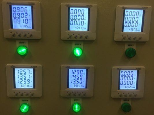 Đồng hồ đa năng đo thông số của hệ thống điện