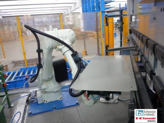 Robot cho nganh gia công tấm